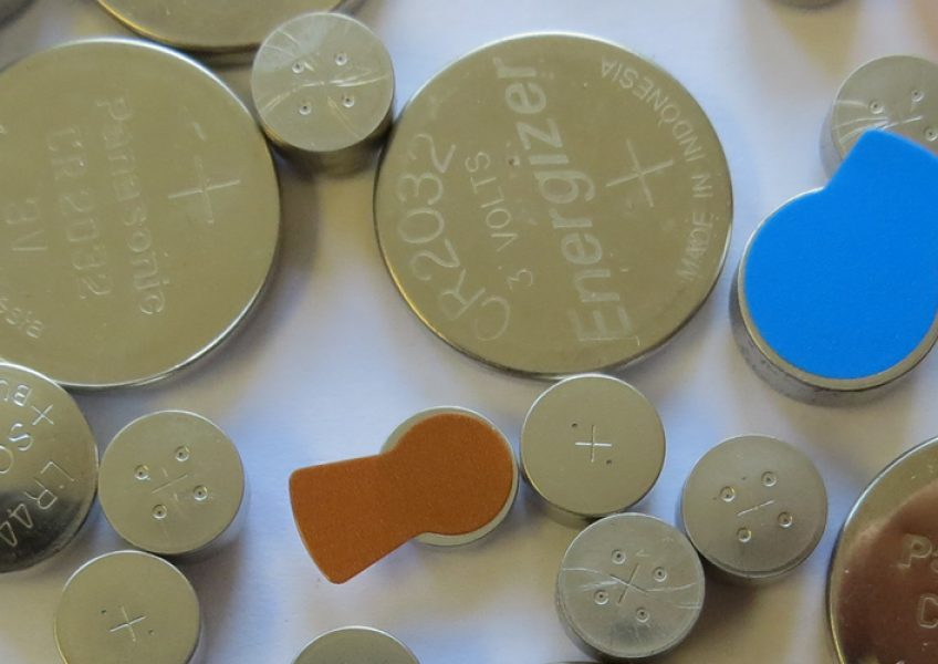 hearing-aid-replacements-batteries